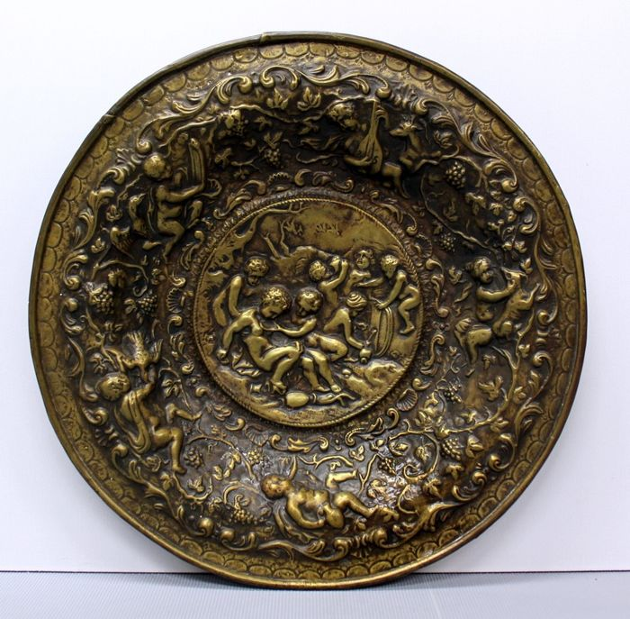 Wall dish - Neoclassical - Copper - 19th century