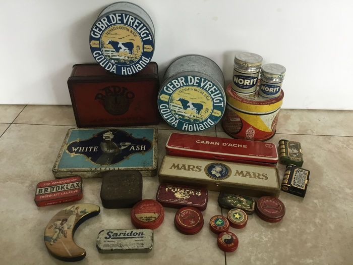 Old to very old advertising cans and can (23) - Look