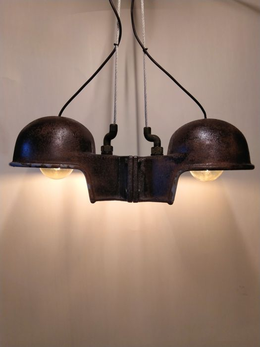 Industriële dubbele hanglamp - one of a kind - Gietijzer & Emaille