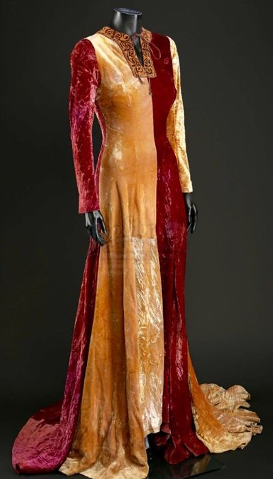 Mel Gibson's Braveheart (1995) - Original Gown worn by actress Jeanne Marine in the movie - with Coa