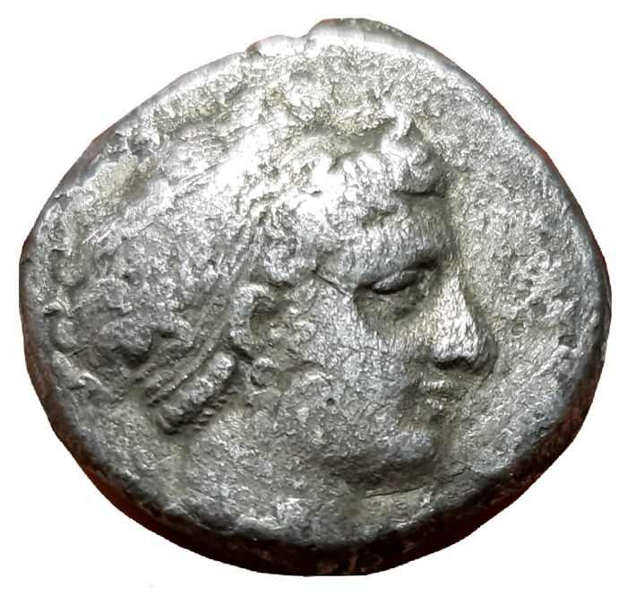 Greece (ancient) - Campania, Neapolis. AR Nomos, Circa 300 BC - Nymph / Man-faced bull - Silver