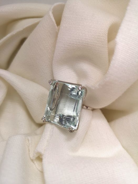 18 quilates Oro blanco - Anillo - 49.86 ct Aguamarina - Diamantes