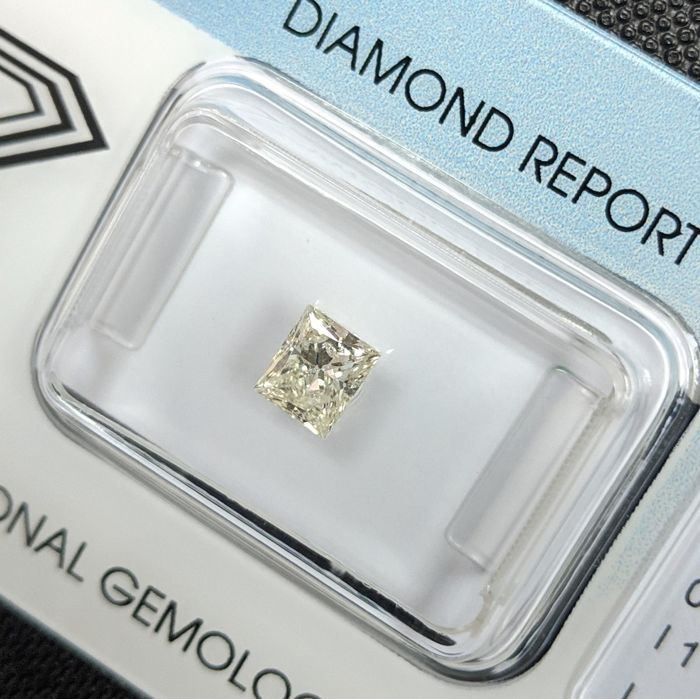 Diamante - 0.52 ct - Princesa - L - I1, IGI Antwerp - No Reserve Price