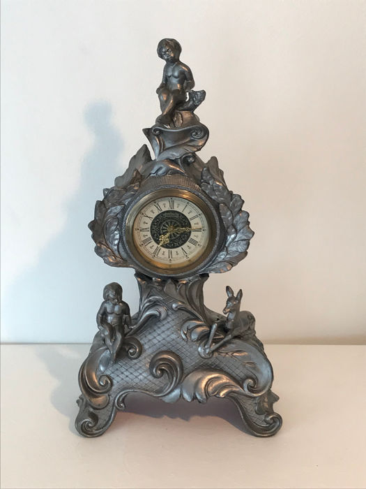 Mantle clock - Rococo Style - Brass