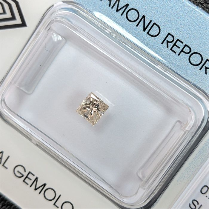 鑽石 - 0.24 ct - 公主方形 - M(微黃色、但仍擁有光芒和耀彩,) - Faint brown - IGI Antwerp - No Reserve Price, SI1