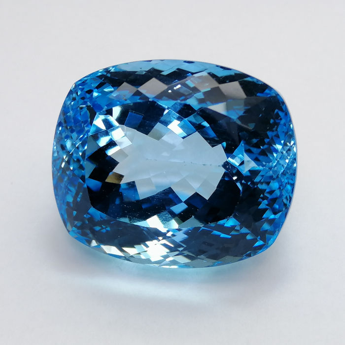 Topaz Swiss Blue - 59.16 ct