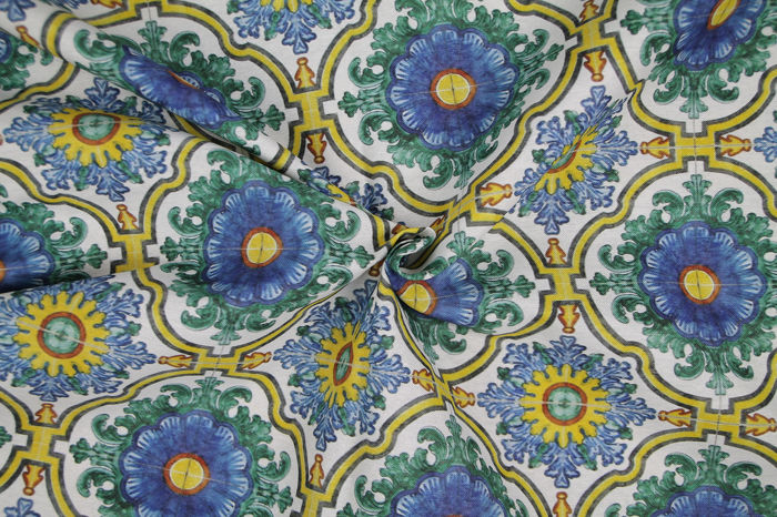 5.60 MT !!!!!! Renowned canvas fabric with light blue tiles - Mixed Cotton