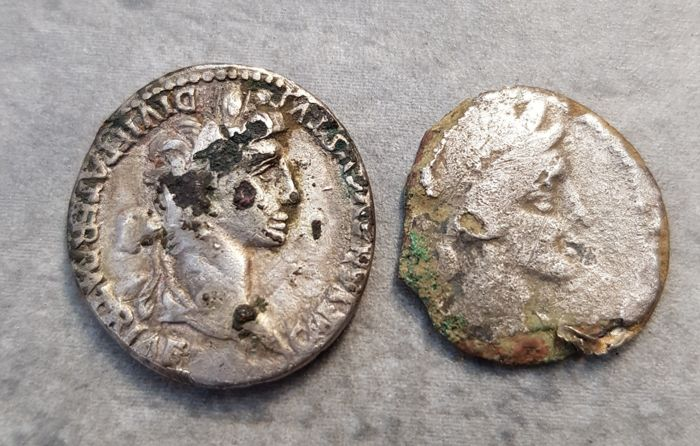 Roman Empire - Lot comprising 2 Denarii (Fourree), incl.: Augustus (27 BC-AD 14)