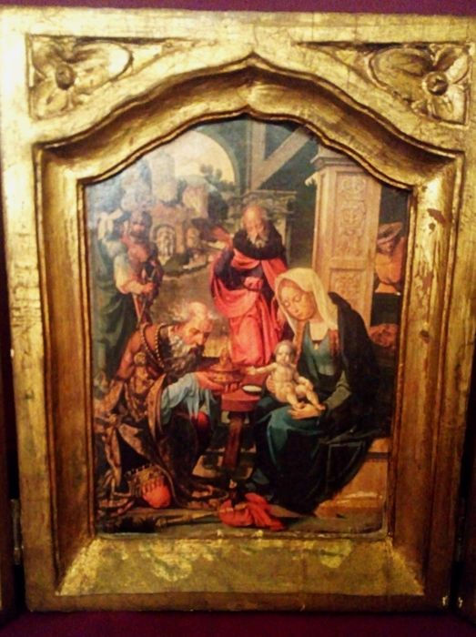 Altarpiece. Triptych. The Adoration of the Magi - Carved wood and gold leaf, print on paper