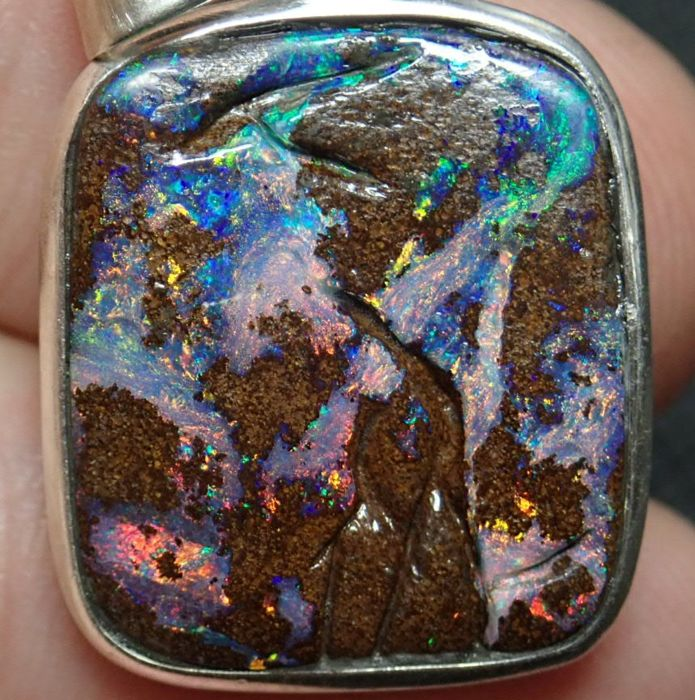 Beautiful Boulder Opal Pendant with 925 Silver and leather chain 18.660ct - 26.28×19.16×4.05 mm - 3.732 g