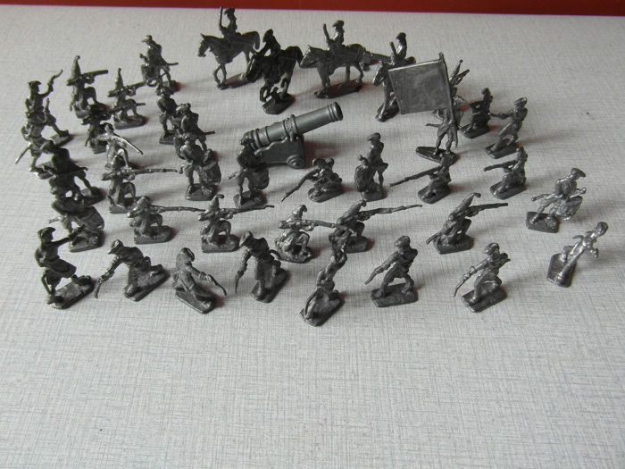 Miniature Soldiers (42) - Lead