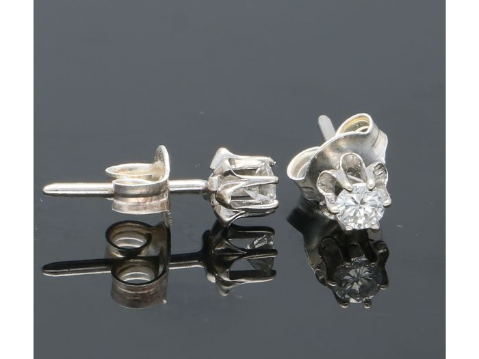 14 carats Or blanc - Boucles d'oreilles - 0.10 ct Diamant
