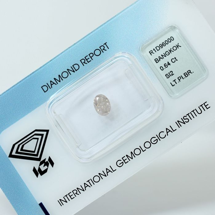 Diamant - 0.64 ct - Oval - light pinkish Brown - Si2 - NO RESERVE PRICE