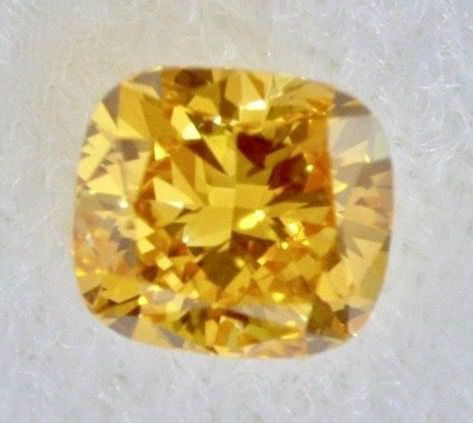1 pcs Diamant - 0.61 ct - Kissen - Fancy Deep orange gelb - VVS1