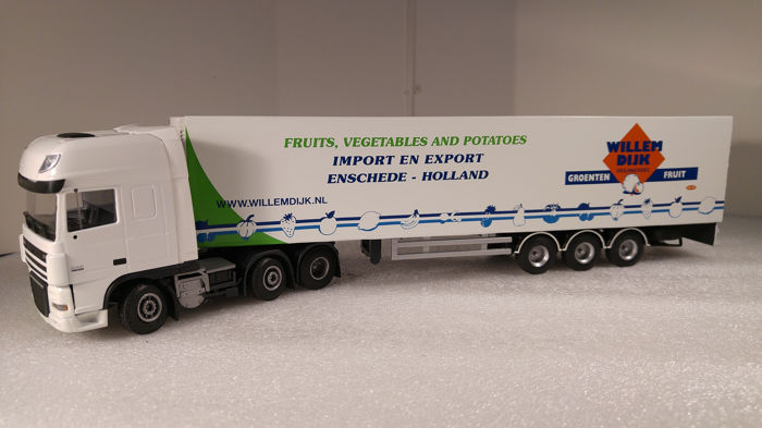 Lion Toys - 1:18 - DAF XF 105 Super Space Cab 6x2 Wit met gesloten Thermo King koeltrailer