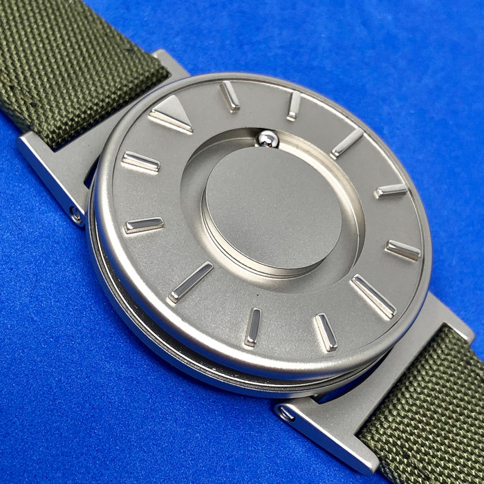 "Eone - Bradley Titanium with Olive Canvas/ Leather strap Swiss - ""NO RESERVE PRICE"" BR-C-Green - Unisex - Brand New"