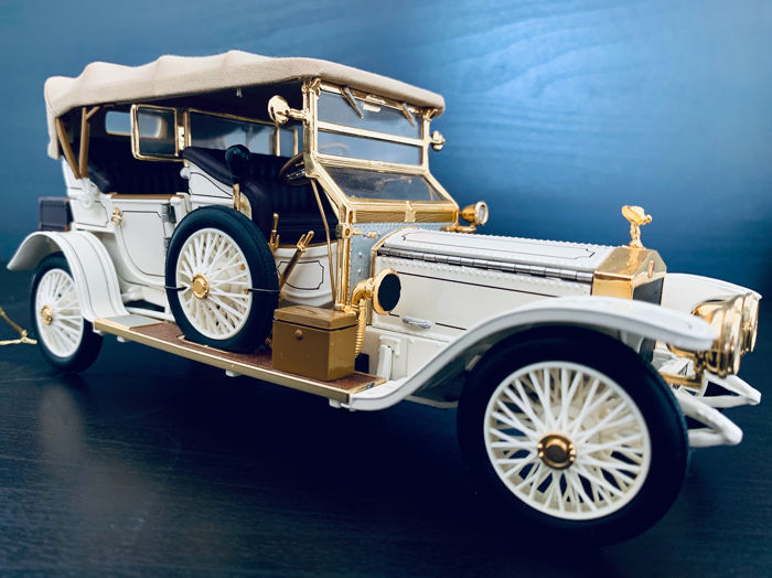 Franklin Mint - Rolls Royce 1911 Tourer Extremely detailed model - With Many 24 carat gold parts, over 150 Different components, In original Packaging!
