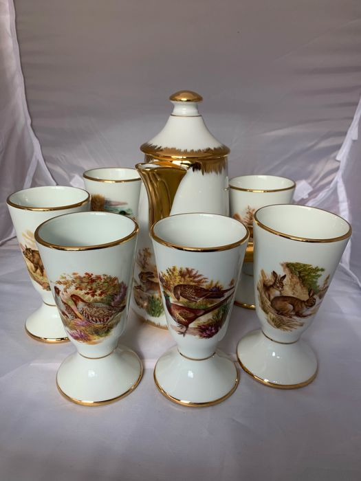 Limoges - Set of 6 cups and 1 pot - Hunting - Wildlife (6) - Porcelain