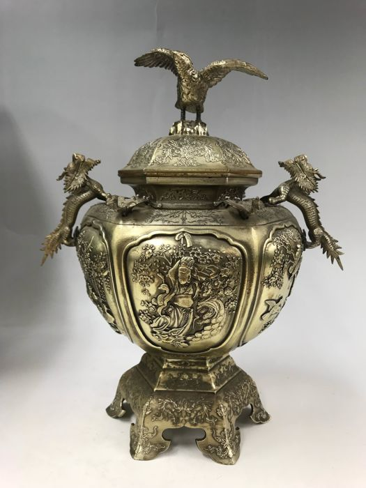 Incense burner - White copper - Large-size exquisite incense burner - Marked at the bottom - Japan - 1975 (Showa period)