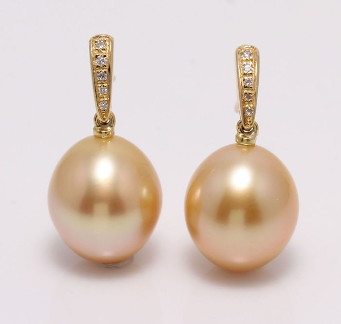 no reserve - 14 kt. Yellow Gold - 11x12mm Golden South Sea Pearls - Earrings - 0.08 ct