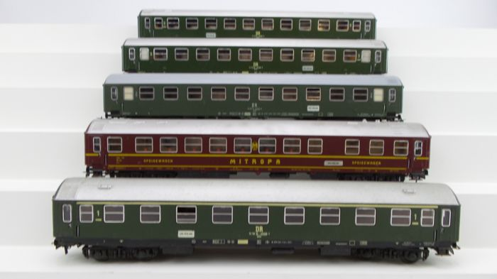 Schicht H0 - Passenger carriage - 5 Express train carriages with interior lighting - DR (DDR)