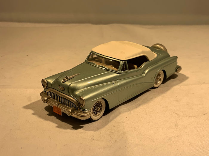 Brooklin Models - 1:43 - Buick Skylark 1953 - Made in England
