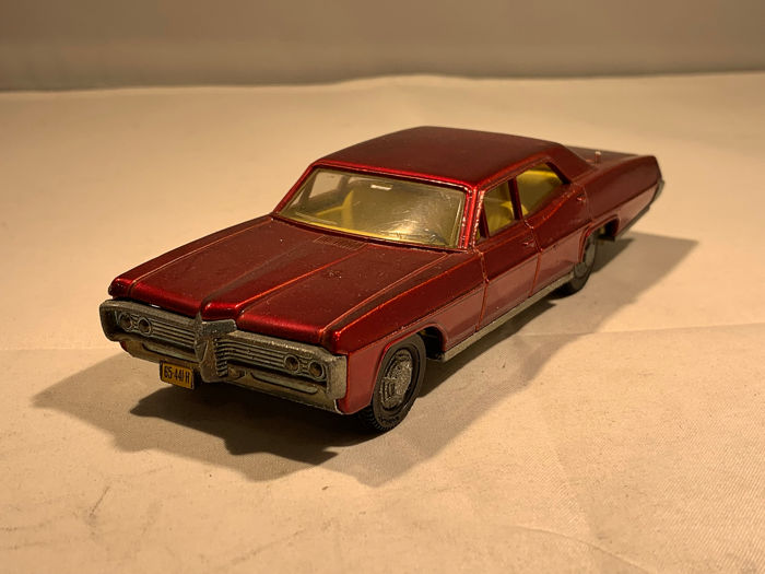 Dinky Toys - 1:43 - Pontiac Parisienne - Made in England