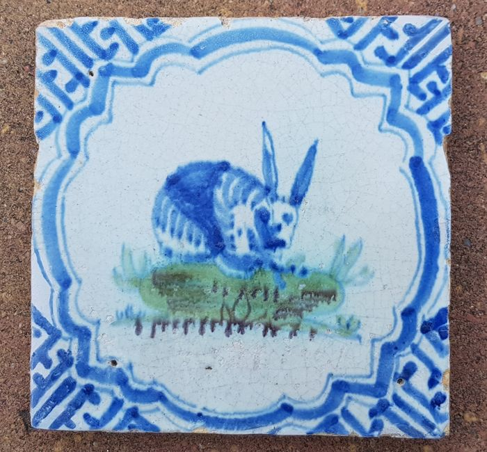 Antique polychrome tile with hare in wan-li rare (1) - Earthenware