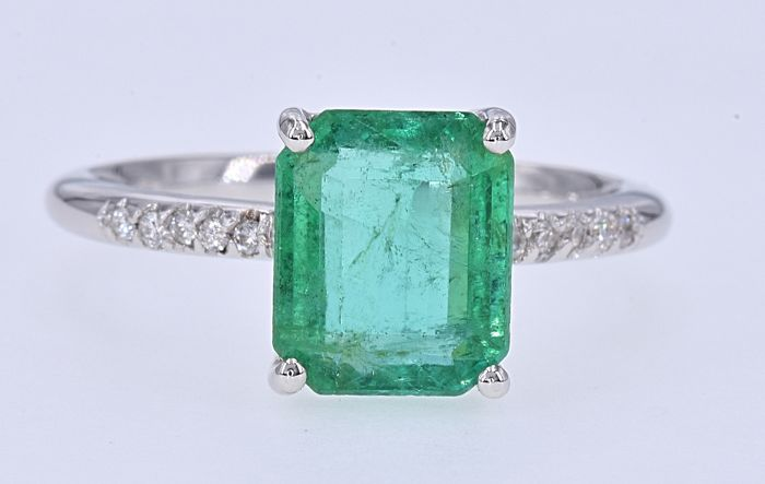 18 kt. White gold - Ring - 3.19 ct Emerald - Diamonds