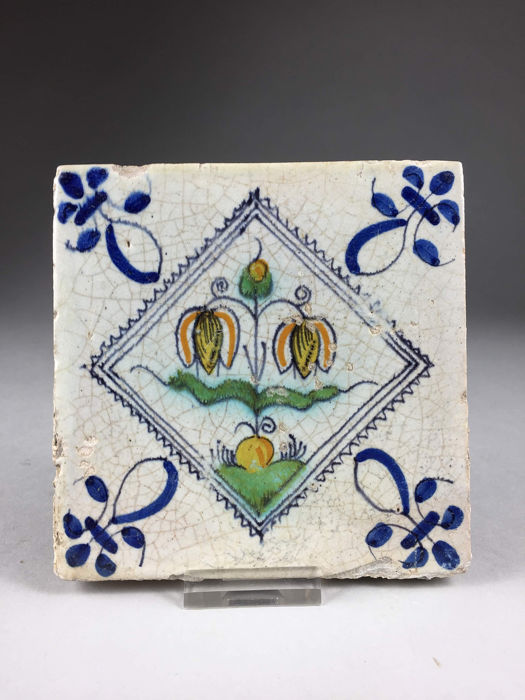 Dutch tile with a picture of tulip - Earthenware