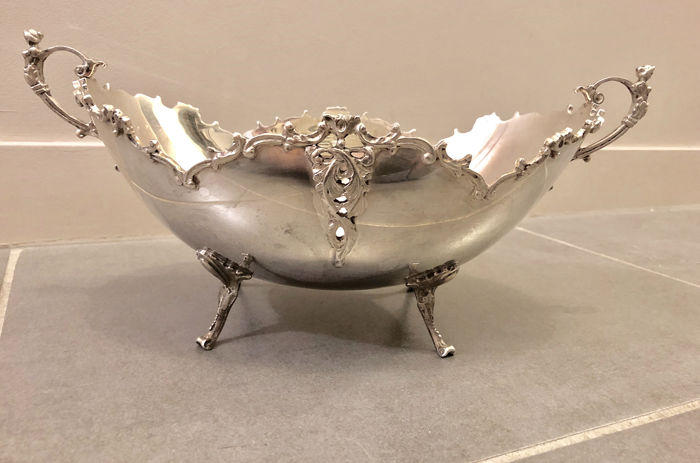 Fruit Bowl - Centerpiece - .800 silver - Zaramella - Padoue  - Italy - mid 20th century