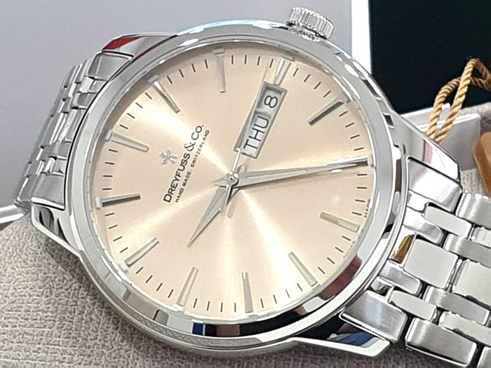 "Dreyfuss & Co. - "" NO RESERVE PRICE "" 1980 Stainless Steel - Day and Date - DGB00125/25