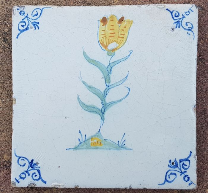 Antique tile with polychrome with tulip rare (1) - Earthenware
