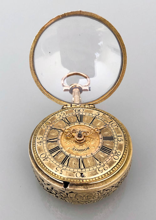 Charles Cabrier - gold repousse pair cases, 1/4 quarter repeater, ca. 1710 - Unisex - Earlier than 1850
