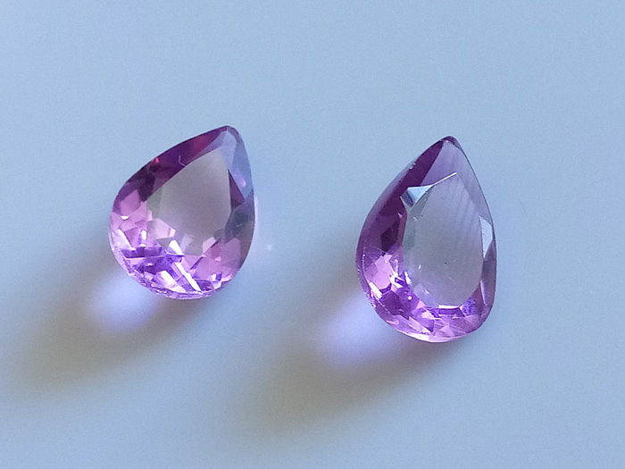 2 pcs Vivid Purple Amethyst, Matched Pair - 7.20 ct