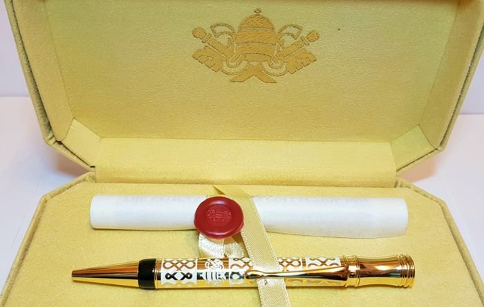 Musei Vaticani (Vatican Museum) - Pen - with sealed box and parchment