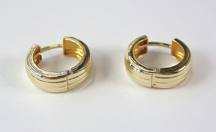 15 kt. Yellow gold - Hoops