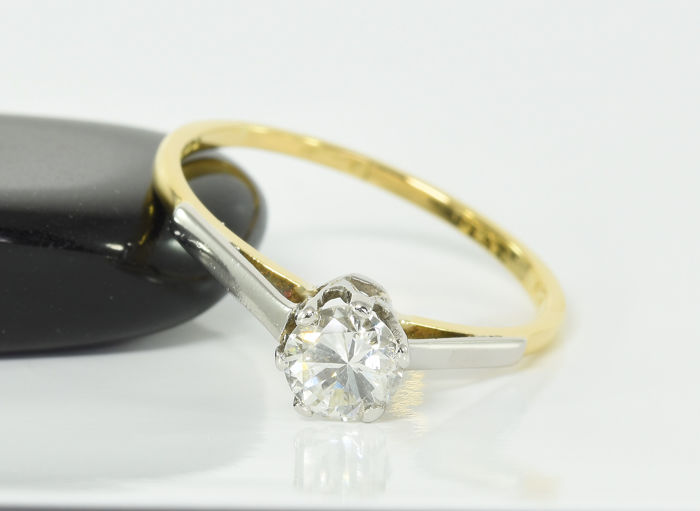 18 kt. Gold - Ring - 0.40 ct Diamond