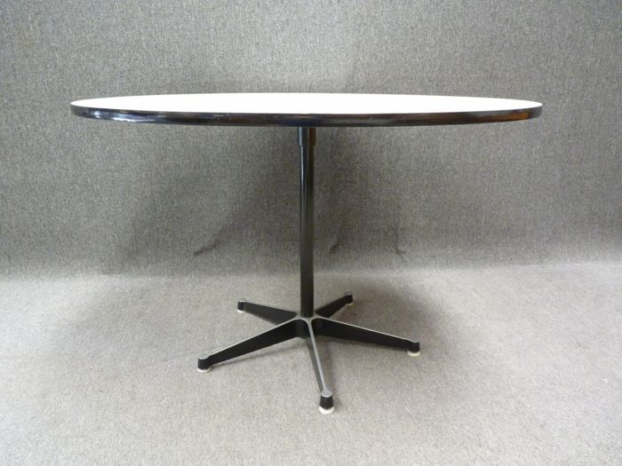 Charles & Ray Eames - Herman Miller - Comedor - Early edition 650