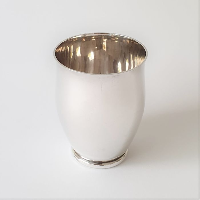 Sturdy and heavy cup - 154 grams - .925 silver - J. Dix - Germany - mid 20th century