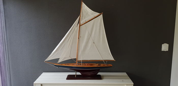 Yacht model - Wood - First half 20th century Antiques Maritime Antiques & Collectables for sale