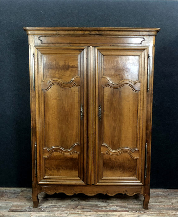 Cabinet - Transition - Walnut - Late 18th century
