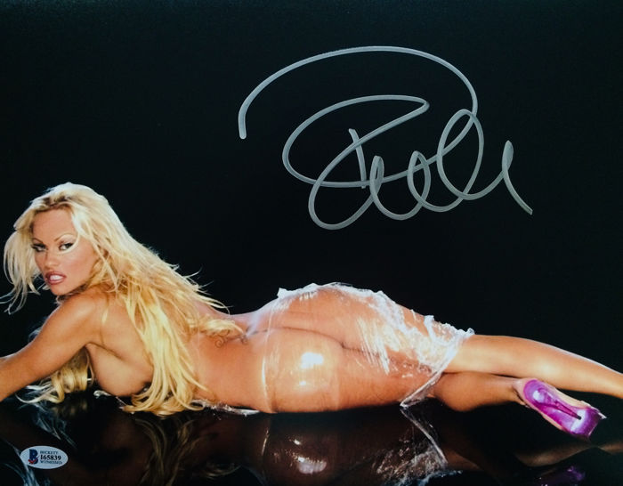 Pamela Anderson - Signed Poster ( 28 x 35 cm ) - with Coa