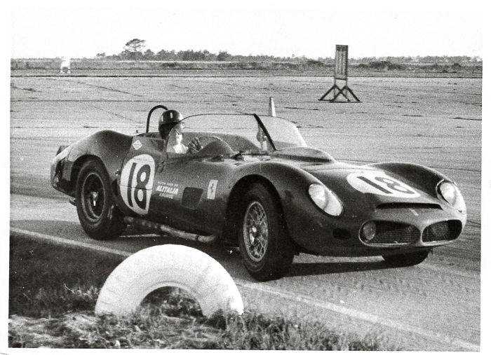 Foto - a very interesting photo collection of 12h of Sebring 1963 - AC Cobra, Ferrari 330TRI, 250GTO, 250P, Jaguar E, Renault, Porsche - 1963-1980