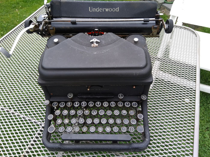 Underwood Noiseless - Typewriter