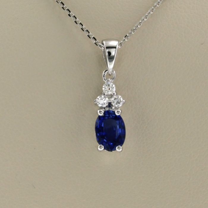 14 kt. White gold - Necklace with pendant - 0.90 ct Sapphire - Diamond