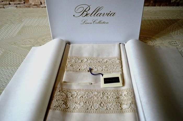 Towels 1 + 1 Bellavia pure linen embroidery with carving embroidery and full point by hand - Linen
