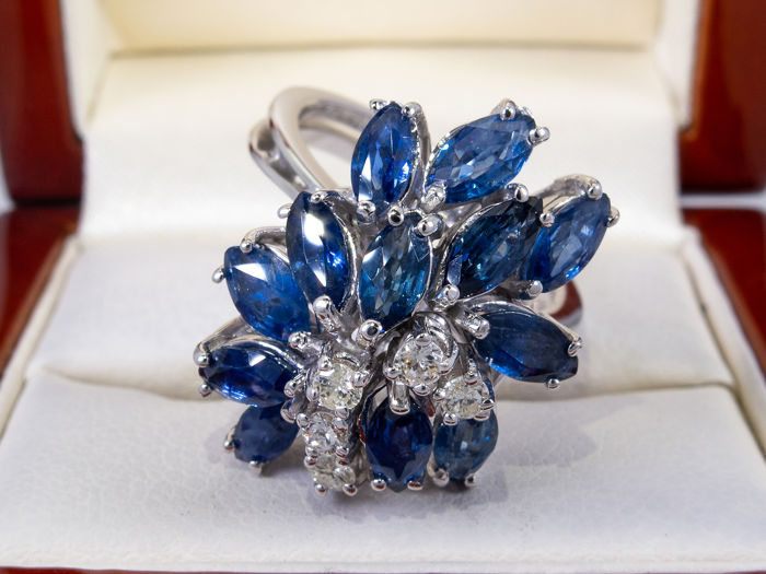 18 karaat Goud - 2.37ct - Diamond & blue sapphire cocktailring