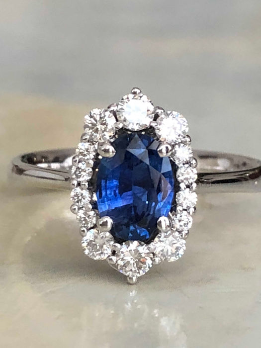 18 kt. White gold - Ring - 1.00 ct Sapphire - Diamond