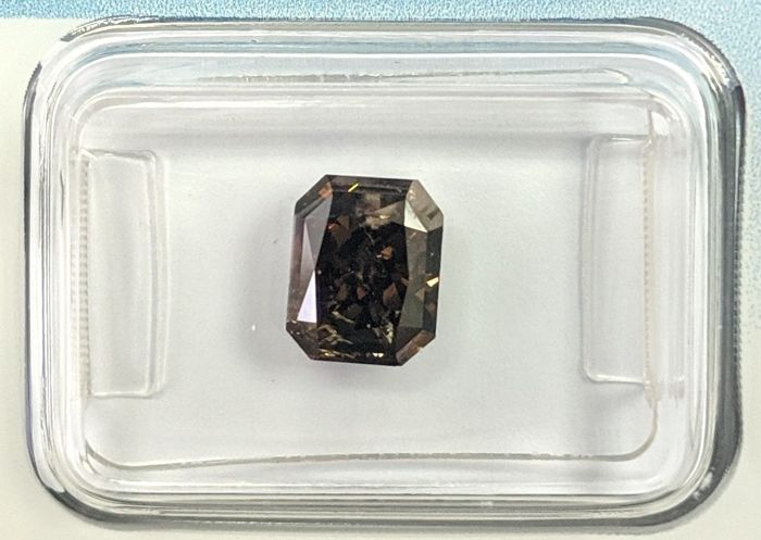 Diamant - 2.07 ct - Radiant - fancy dark brown - IGI Antwerp - No Reserve Price, P2